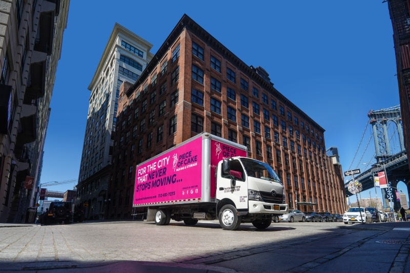 Piece of Cake Moving & Storage truck (pink)